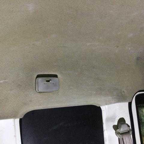 車のルームクリーニング(天井)